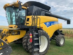 Combine For Sale 2010 New Holland CR9060