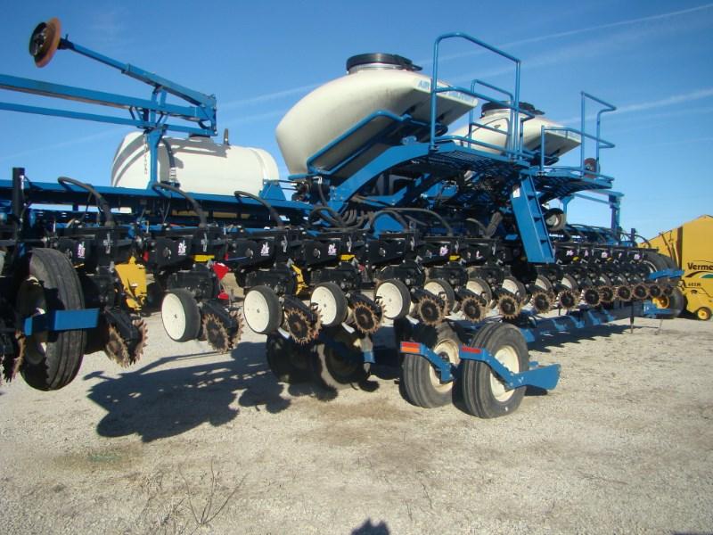 2010 Kinze 3660 16RN Planter For Sale