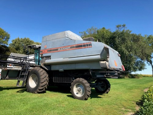 Combine For Sale:  1993 Gleaner R52