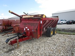 Manure Spreader-Dry/Pull Type For Sale 2005 New Holland 3118