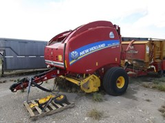 Baler-Round For Sale 2015 New Holland RB560