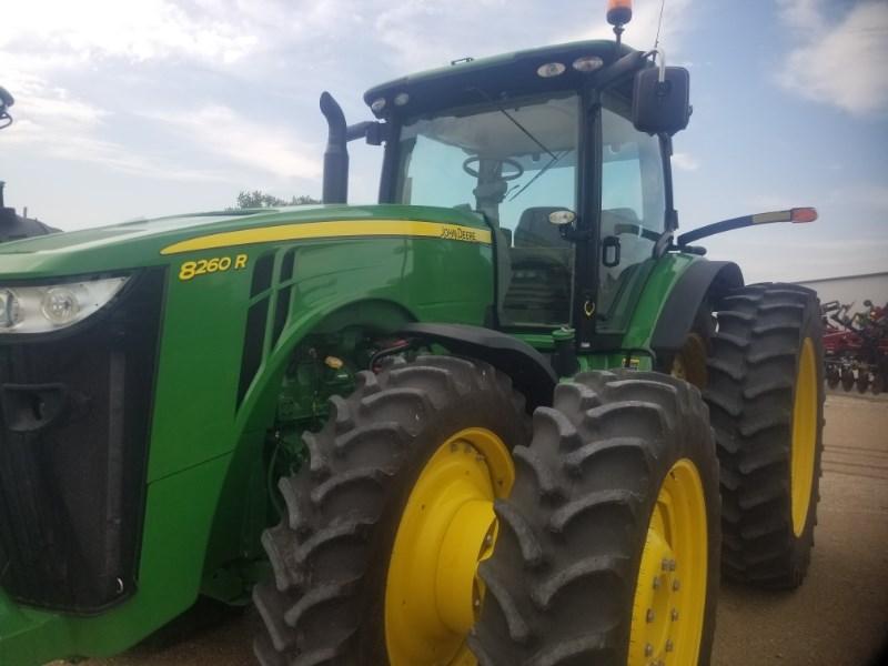 2014 John Deere 8260R Tractor For Sale