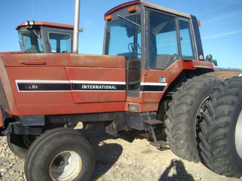 1981 IH 5288 Tractor For Sale