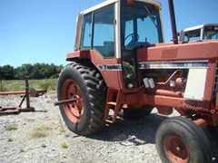Tractor For Sale 1977 IH 1086 , 146 HP