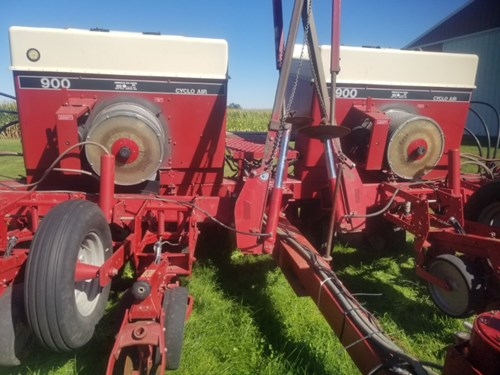 Planter For Sale:  Case IH 900