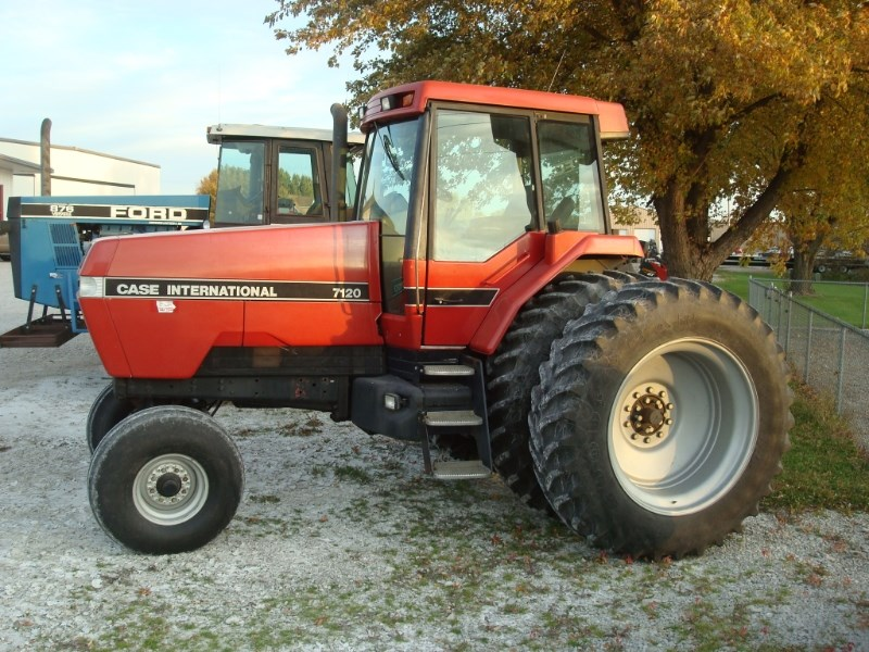 1989 Case IH 7120 Tractor For Sale