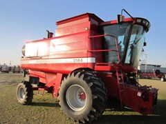Combine For Sale 1997 Case IH 2144 , 180 HP