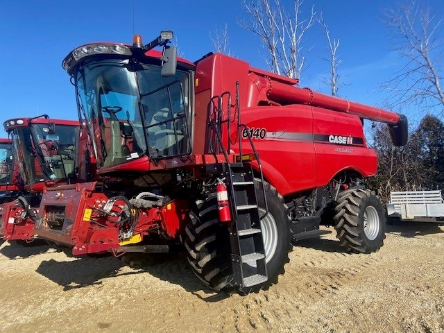 2104 Case IH 6140 Combine For Sale