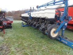 Planter For Sale 2012 Kinze 3600 16 ROW