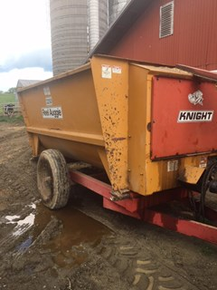 Manure Spreader-Dry/Pull Type For Sale Kuhn 3250