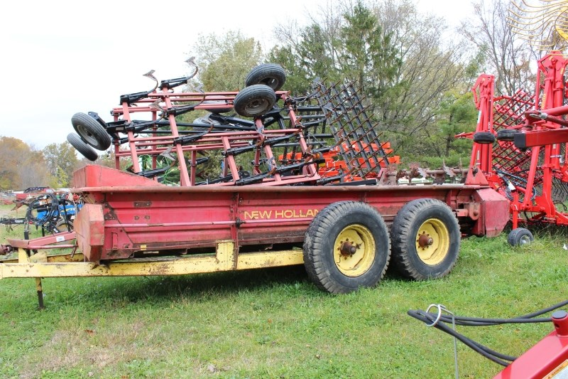 New Holland 676 Manure Spreader-Dry For Sale