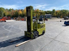 Lift Truck/Fork Lift-Industrial For Sale Clark  401S