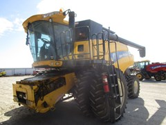 Combine For Sale 2006 New Holland CR9060