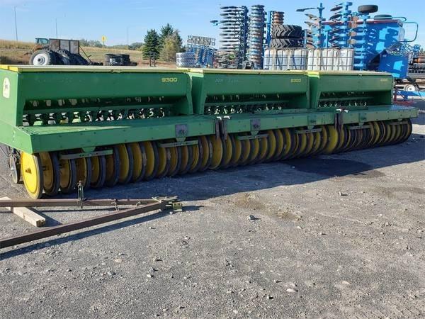 John Deere 9300 Grain Drill For Sale