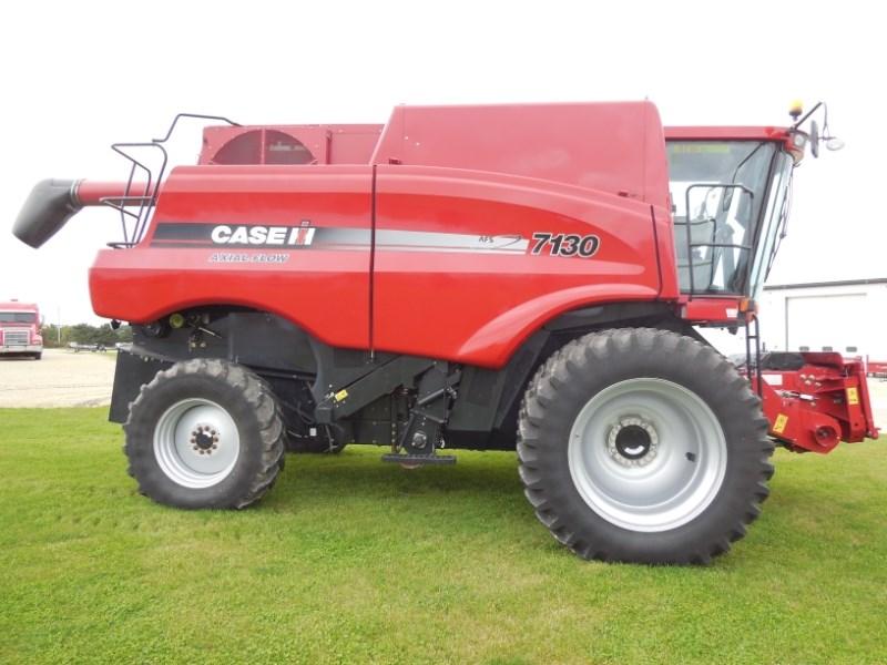2013 Case 7130 Combine For Sale