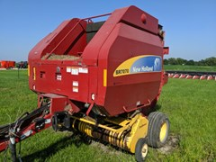Baler-Round For Sale 2011 New Holland BR7070