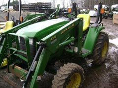 Tractor - Compact Utility For Sale 2000 John Deere 4200 , 26 HP