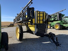 Sprayer-Pull Type For Sale 2014 Demco 1250GAL