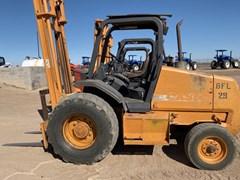 Lift Truck/Fork Lift-Rough Terrain For Sale:  Case 586G