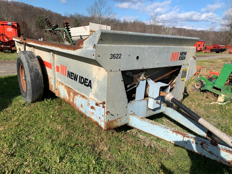 New Idea 3622 Manure Spreader-Dry/Pull Type For Sale