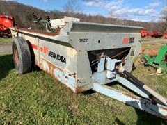 Manure Spreader-Dry/Pull Type For Sale New Idea 3622