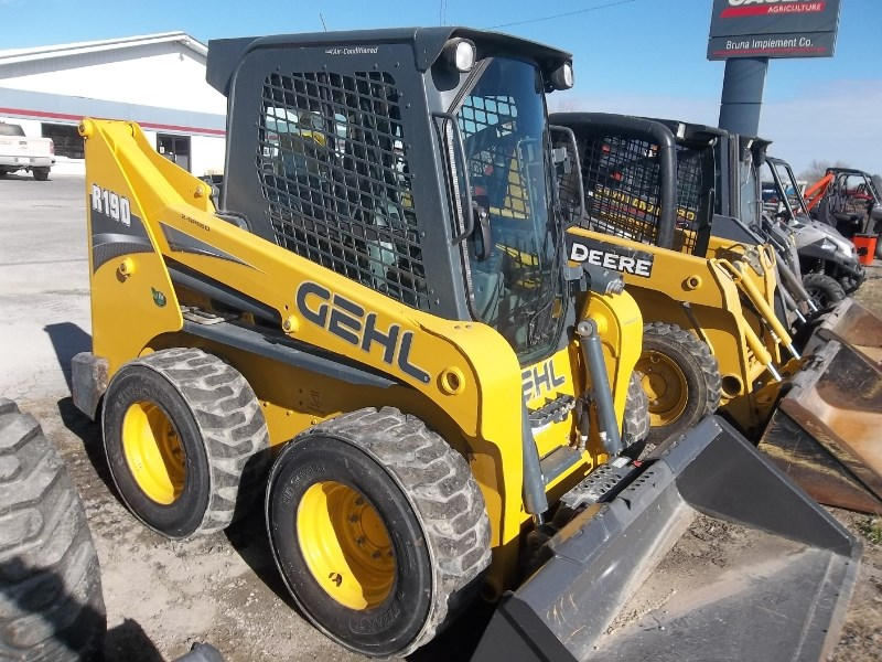 2015 Gehl R190 Skid Steer For Sale