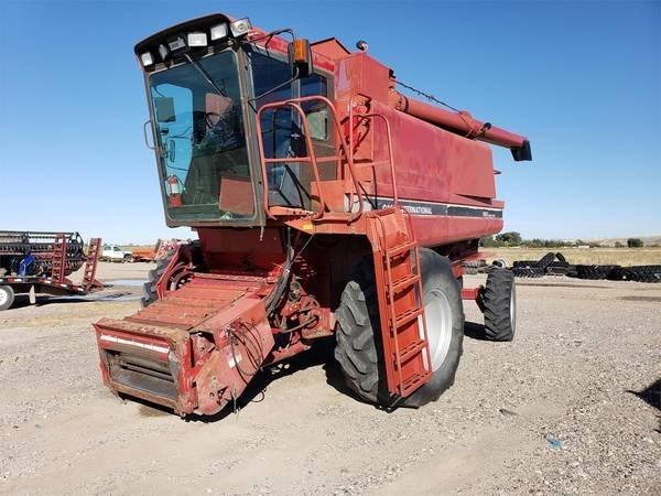 1990 Case IH 1680 Combine For Sale