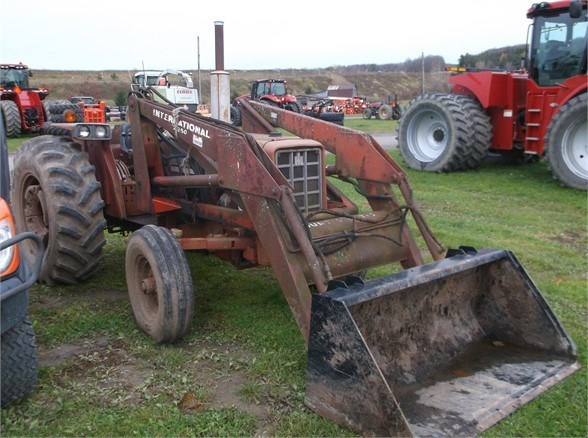 1975 International 574 Tractor For Sale