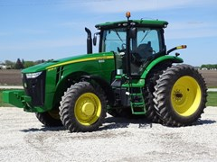 Tractor For Sale 2011 John Deere 8235R , 235 HP