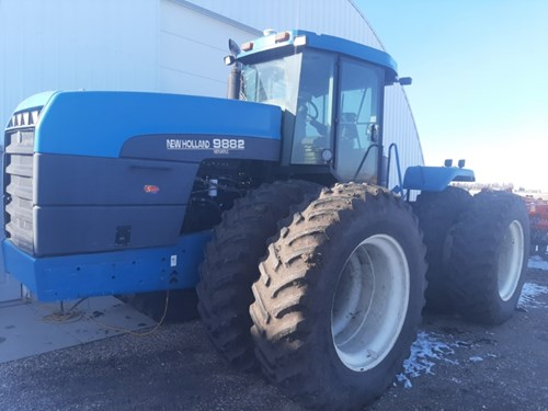 Tractor For Sale:  1998 New Holland 9882