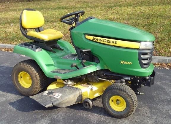 2009 John Deere X300 Riding Mower For Sale