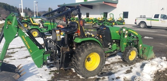 2009 John Deere 2520 Tractor - Compact Utility For Sale