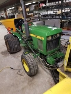 Tractor - Compact Utility For Sale 1984 John Deere 650 , 17 HP