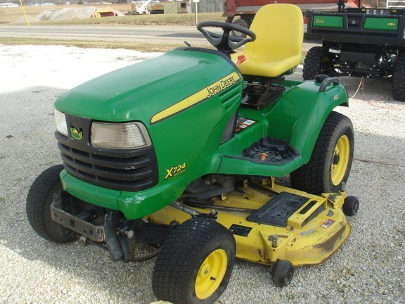 2008 John Deere X724 Riding Mower For Sale