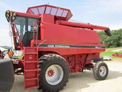 Combine For Sale 1993 Case IH 1688 , 260 HP