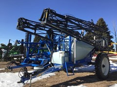 Sprayer-Pull Type For Sale 2009 New Holland S1070