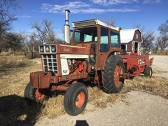 Tractor - Row Crop For Sale 1974 IH 1066 , 140 HP
