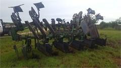 Row Crop Cultivator For Sale John Deere 886