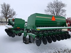 Grain Drill For Sale 2007 Great Plains 3S3000HD