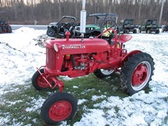 Tractor - Utility For Sale 1954 Farmall CUB , 12 HP