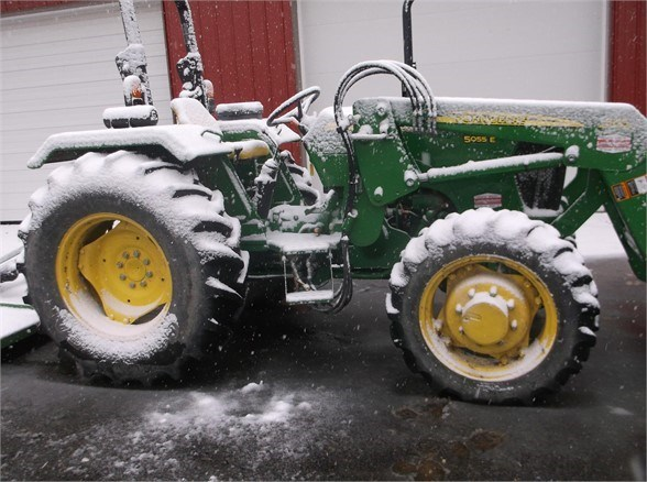 2014 John Deere 5055E Tractor For Sale