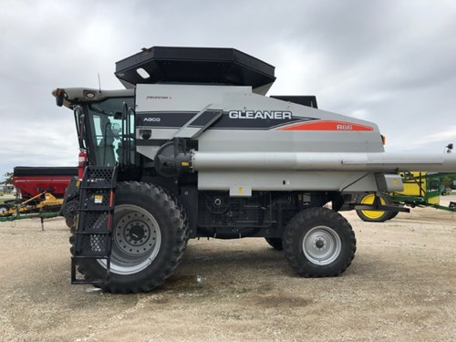 Combine For Sale:  2010 Agco R66