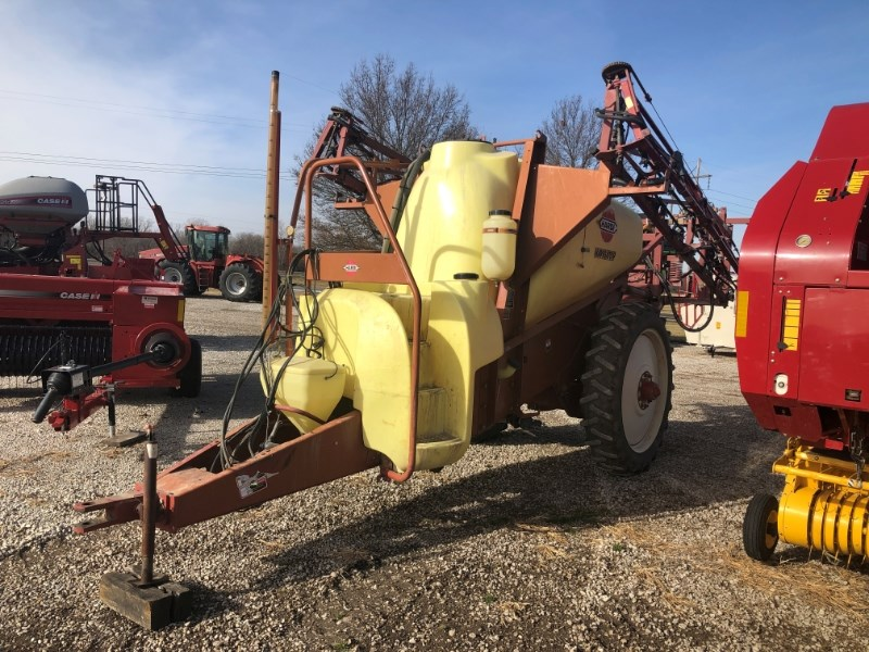 2002 Hardi NP1100 Sprayer-Pull Type For Sale