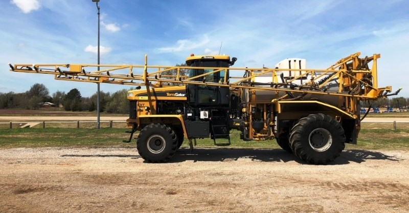 2011 Ag Chem 8400 Sprayer-Self Propelled For Sale