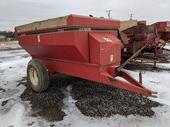Feeder Wagon-Power For Sale Gehl F7190