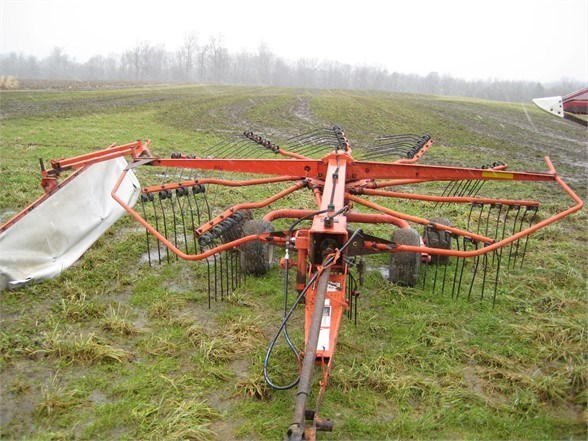 2002 Kuhn GA4120 Tedder For Sale