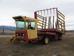 Bale Wagon-Self Propelled For Sale 2002 New Holland 1089