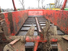 Manure Spreader-Dry/Pull Type For Sale 2014 Kuhn Knight 1140