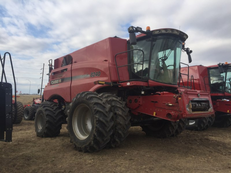 2015 John Deere 8240 Combine For Sale
