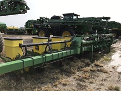 Planter For Sale 2005 John Deere 1720